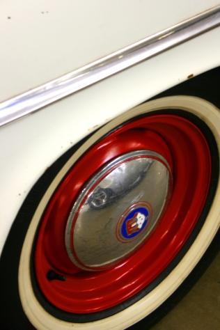 Shiny hub cap
