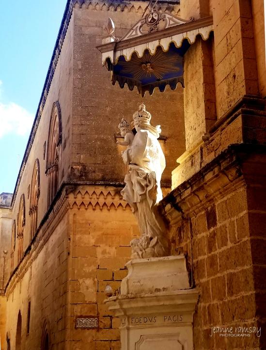 Mdina Statue